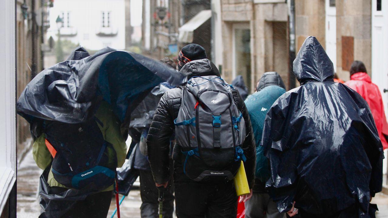 Temporal de lluvia y viento en Santiago