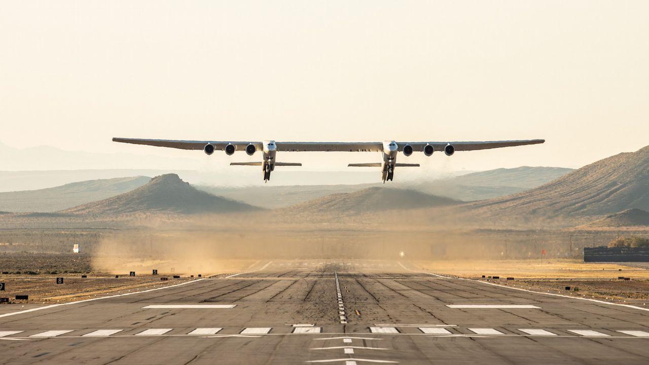 Más envergadura que un campo de fútbol: así es el avión más grande del mundo