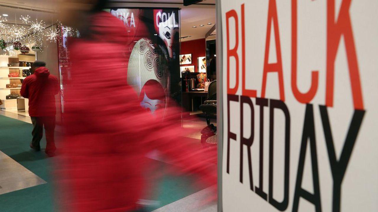 El caos se apodera de Oxford Circus en pleno Black Friday por el aviso de un tiroteo