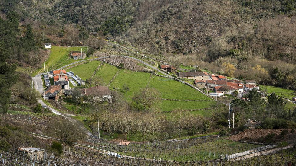 Vistas de la parroquia de Lumeares desde el mirador de Vidueira