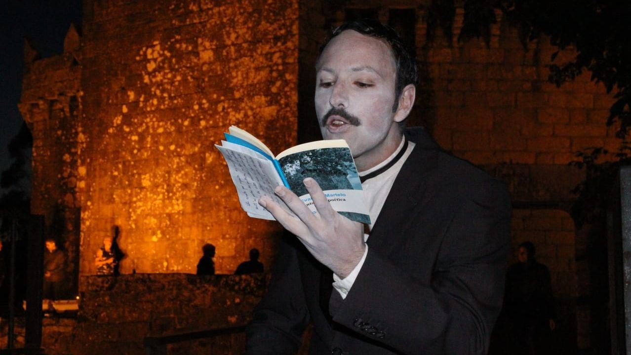 ¡Abarrote total en la 21.ª Festa do Berberecho de Baldaio! ¡Búscate!.Tero Rodríguez, no papel de Silvina, en Moraime (Muxía)