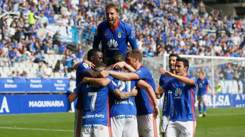 Gol Real Oviedo Horizontal.Los futbolistas del Real Oviedo celebran el primer gol ante el Cordoba