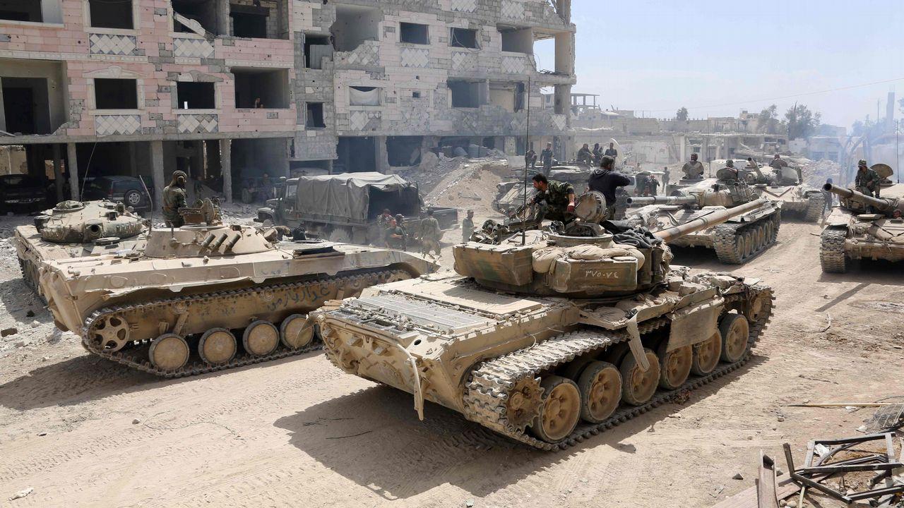 .Tropas de Al Asad en las afueras del bastión rebelde de Duma