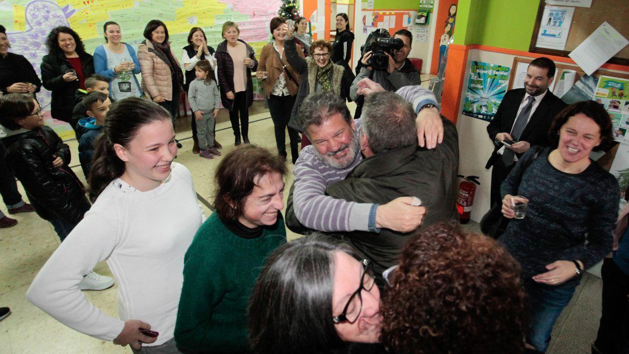 Parte del Gordo de Navidad se fue al colegio Insua Bermúdez de Vilalba. Allí se celebró esta mañana con gran alegría.
