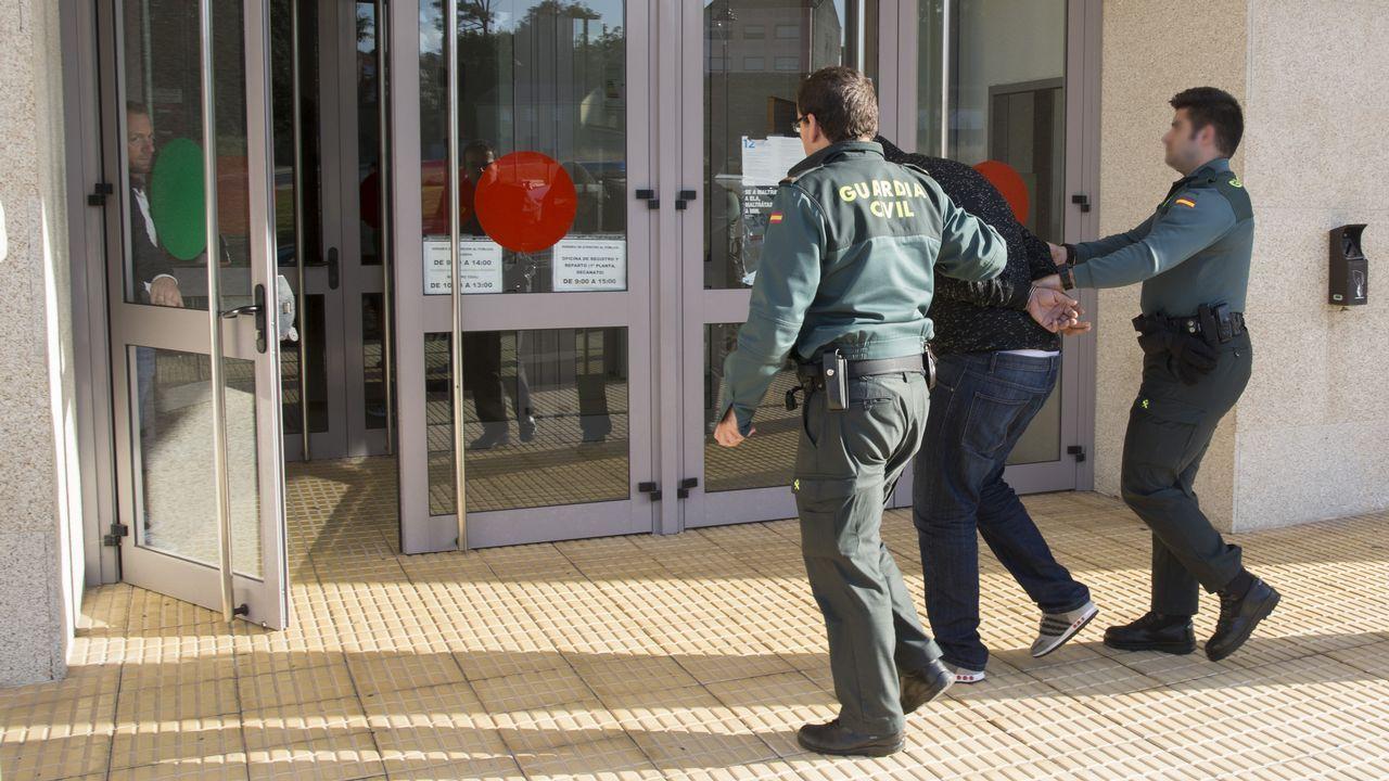 Gran enfado de Ábalos en el Senado tras cuestionar el PP un viaje oficial a Perú.Imagen de contenedores de exportación