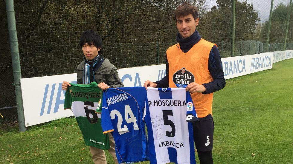 El Alavés-Deportivo de Copa, en fotos.Longo celebra un gol con el Girona
