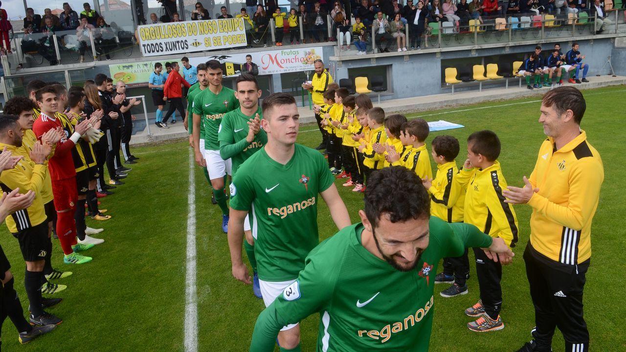 Los jugadores del Oviedo celebran el 1-0 al Numancia