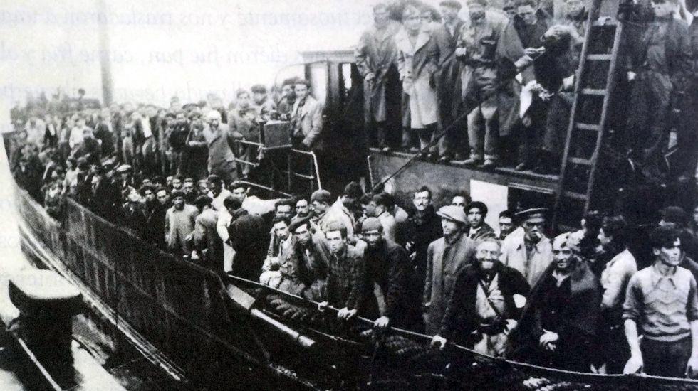 Milicianos asturianos llegando a Francia en octubre de 1937