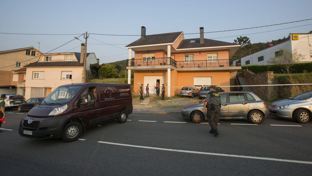 La víctima del crimen de Cabana trataba de escapar cuando recibióvarios tiros.Minutos de silencio frente al consistorio de Cabana de Bergantiños