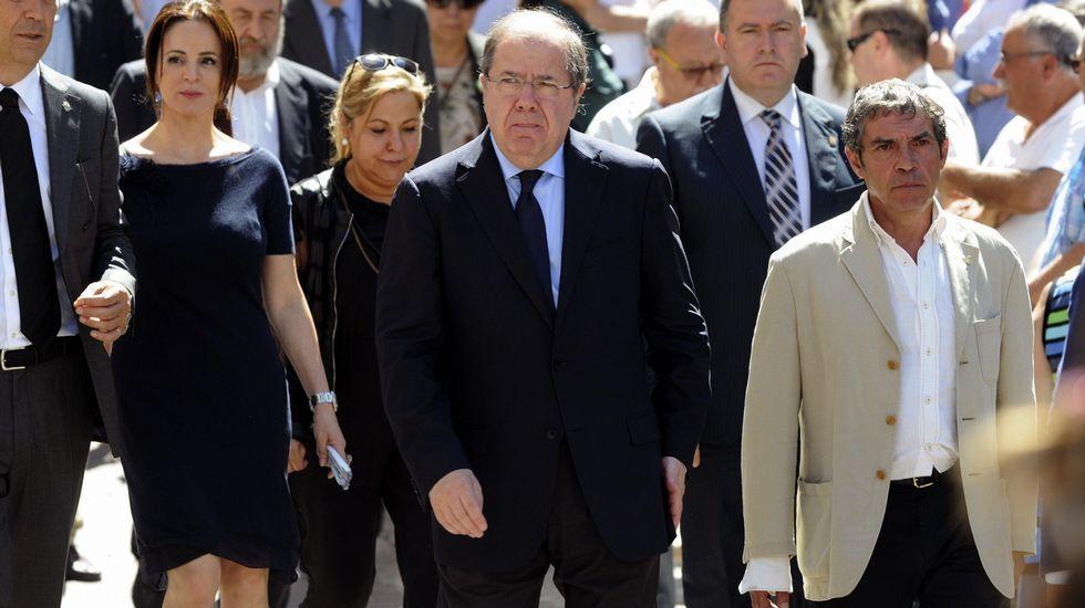 .El presidente de Castilla y León, Juan Vicente Herrera , la presidenta de las Cortes, Silvia Clemente, y la vicepresidenta del Ejecutivo castellanoleonés, Rosa Valdeón.