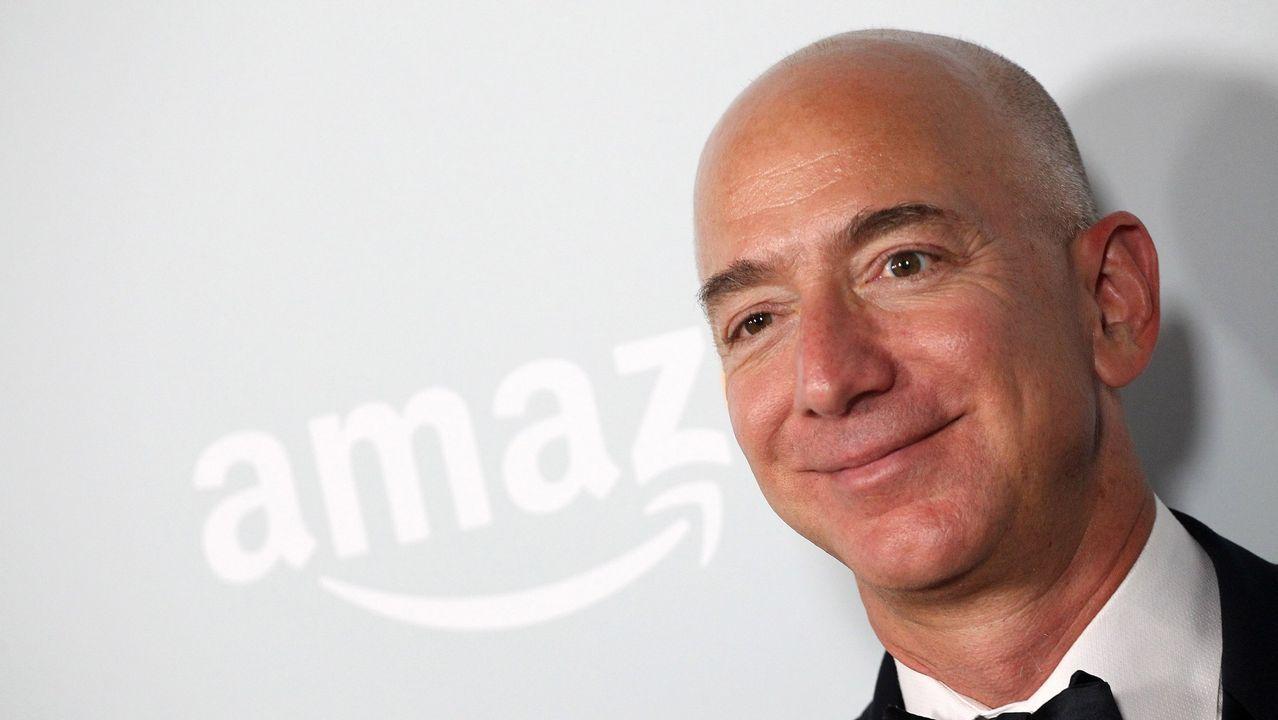 .JEFF BEZOS (AMAZON). Fortuna de 72.800 millones de dólares. Bezos ha sido criticado por su poca solidaridad. Hace poco anunció una donación de 33 millones para becas de ayuda a los «dreamers».