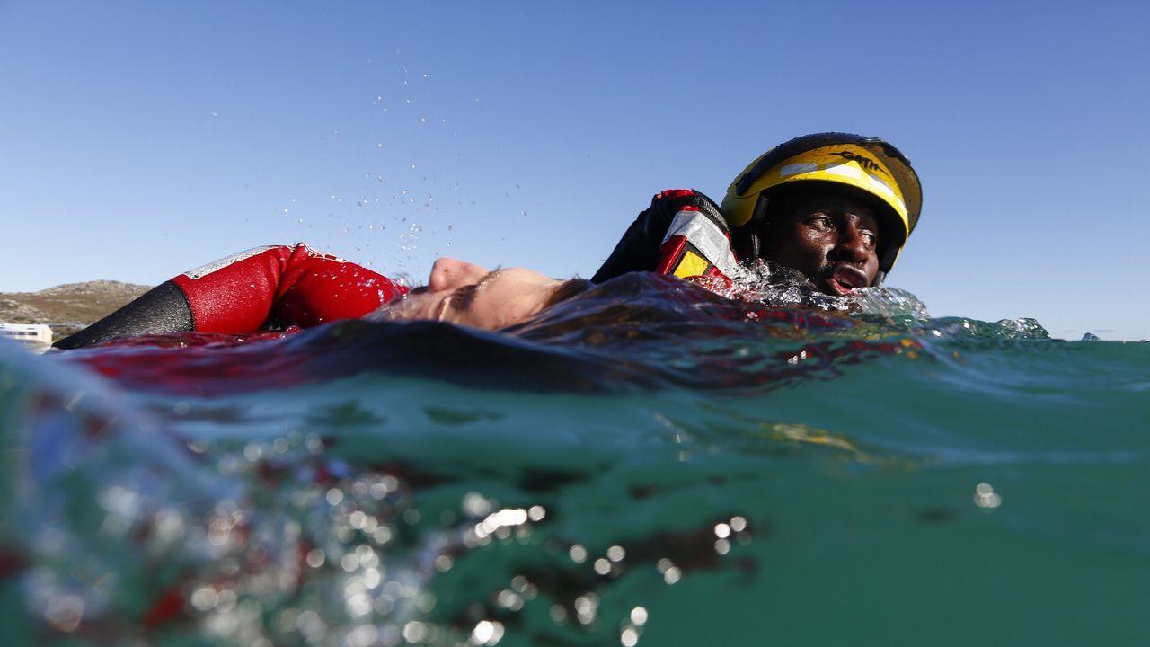Simulacro de rescate en el mar en Ciudad del Cabo