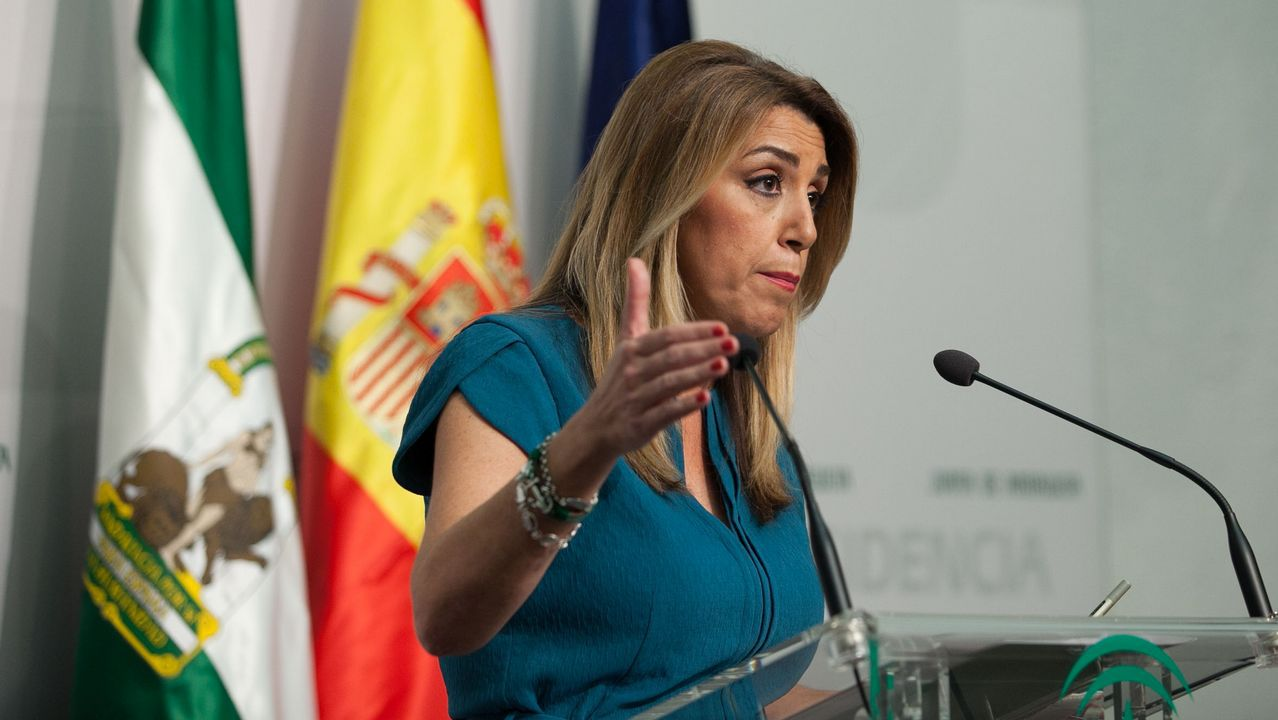 Feministas de toda Andalucía se concentran ante el parlamento andaluz.El secretario de Organización del PSOE, José Luis Ábalos
