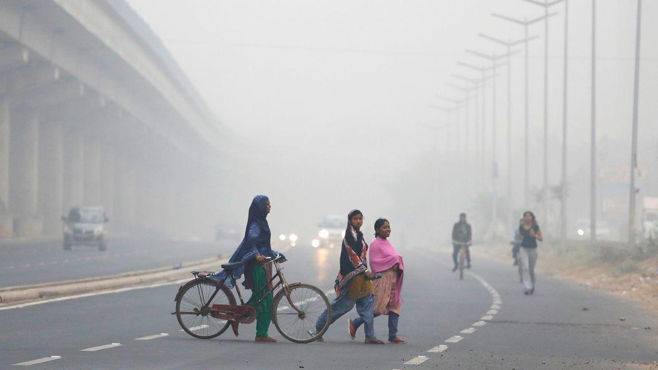 .Niebla en Delhi provocada por la contaminación