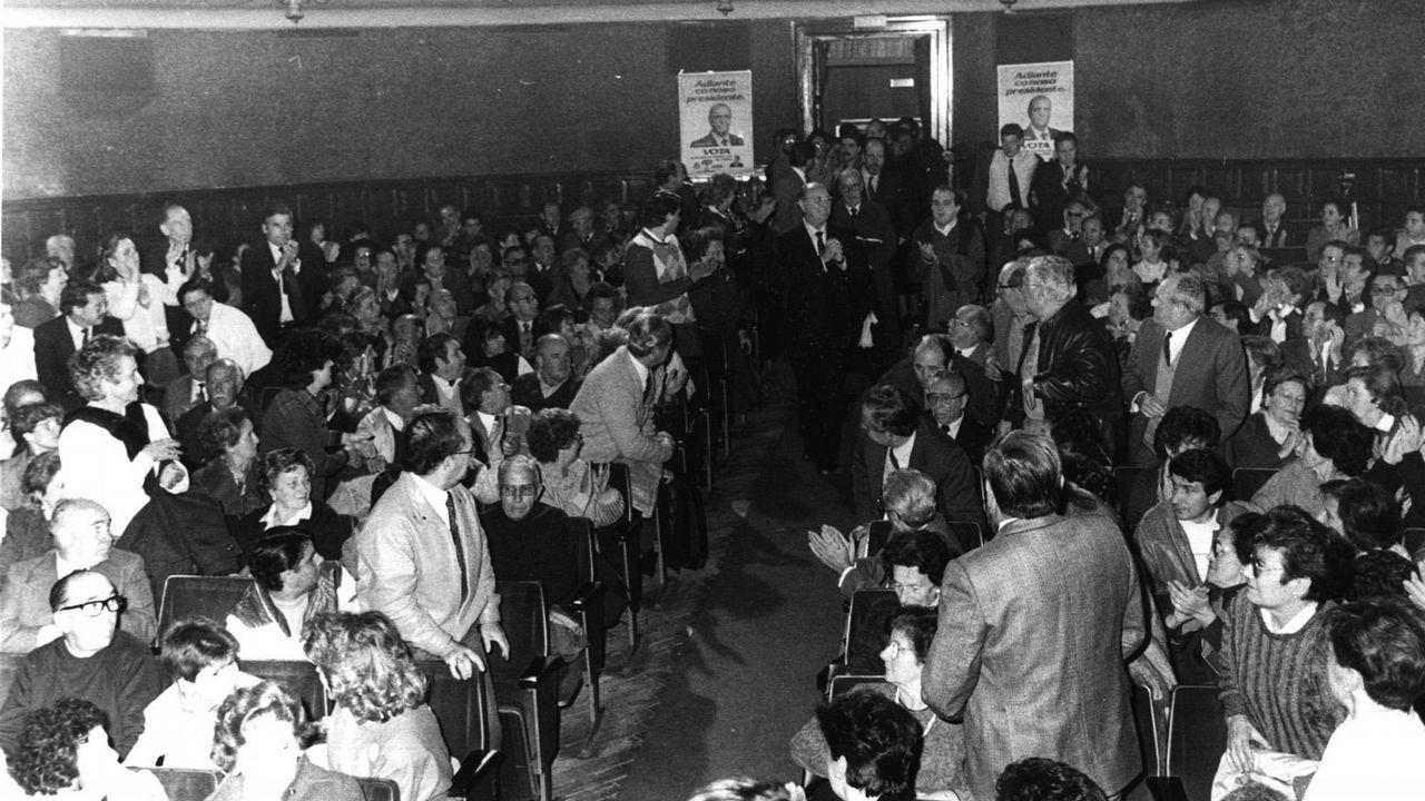 .Fernandez Albor entra en un mitin como candidato de Coalición Popular de Galicia a la presidencia de la Xunta en 1985