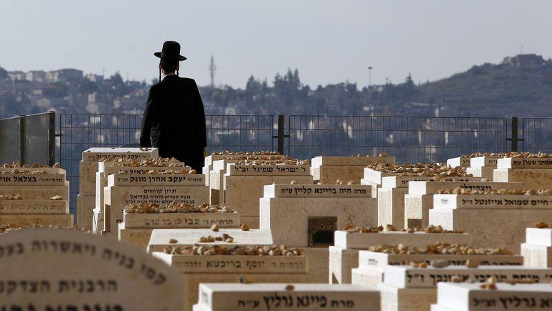 «Los asesinaron sólo porque eran judíos».