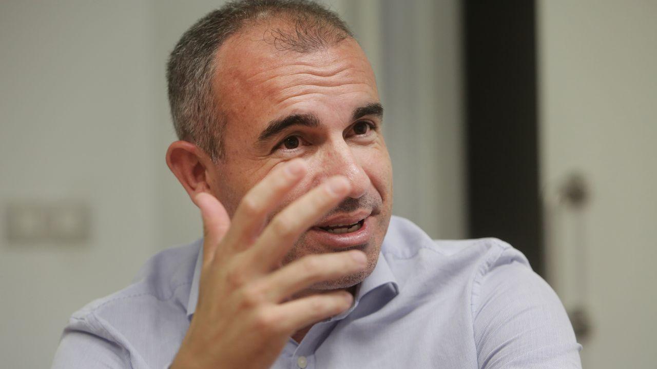 Rivera y Vázquez critican a Sánchez por someterse al «griterío de las minorías».Javier Fernández en la Fidma