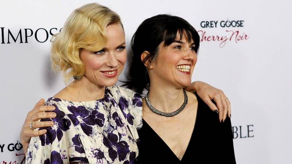 María Belón junto a la actriz Naomi Watts, que da vida a la superviviente del tsunami de Tailandia, en la presentación de «Lo imposible».