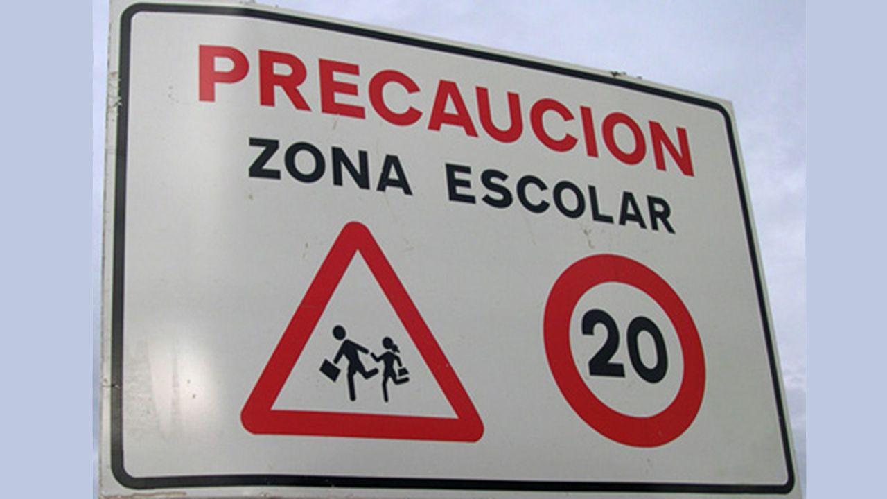 Día del bollo en San Mateo.Miembros de la plataforma Oviedo 21 como Juan Zaldívar o Raimundo Abando