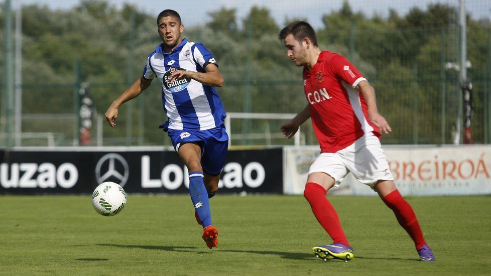 El derbi gallego, en imágenes.Borja Domingo, durante el partido contra el Choco