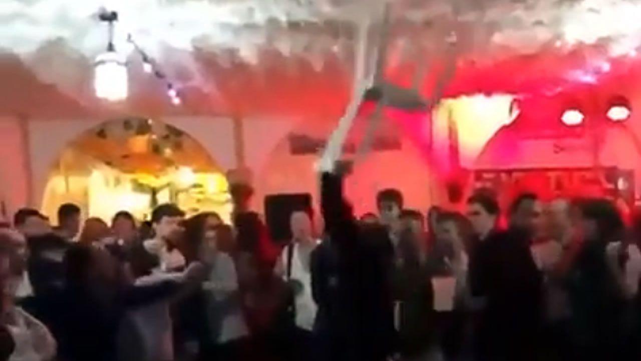 Así fue la pelea en la caseta de CC.OO. en la Feria de Abril de Sevilla.Tebas