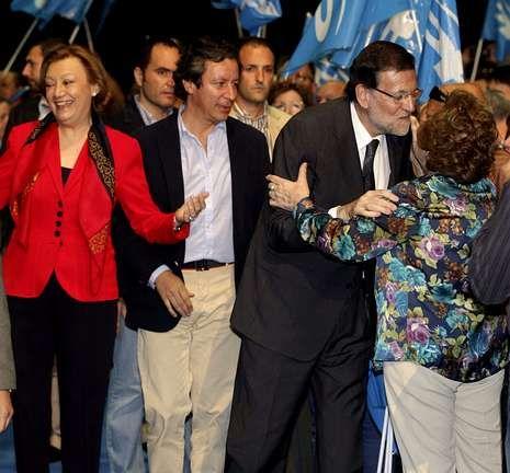 Rajoy inició su campaña en Zaragoza, acompañado de Luisa Fernanda Rudi y Floriano.