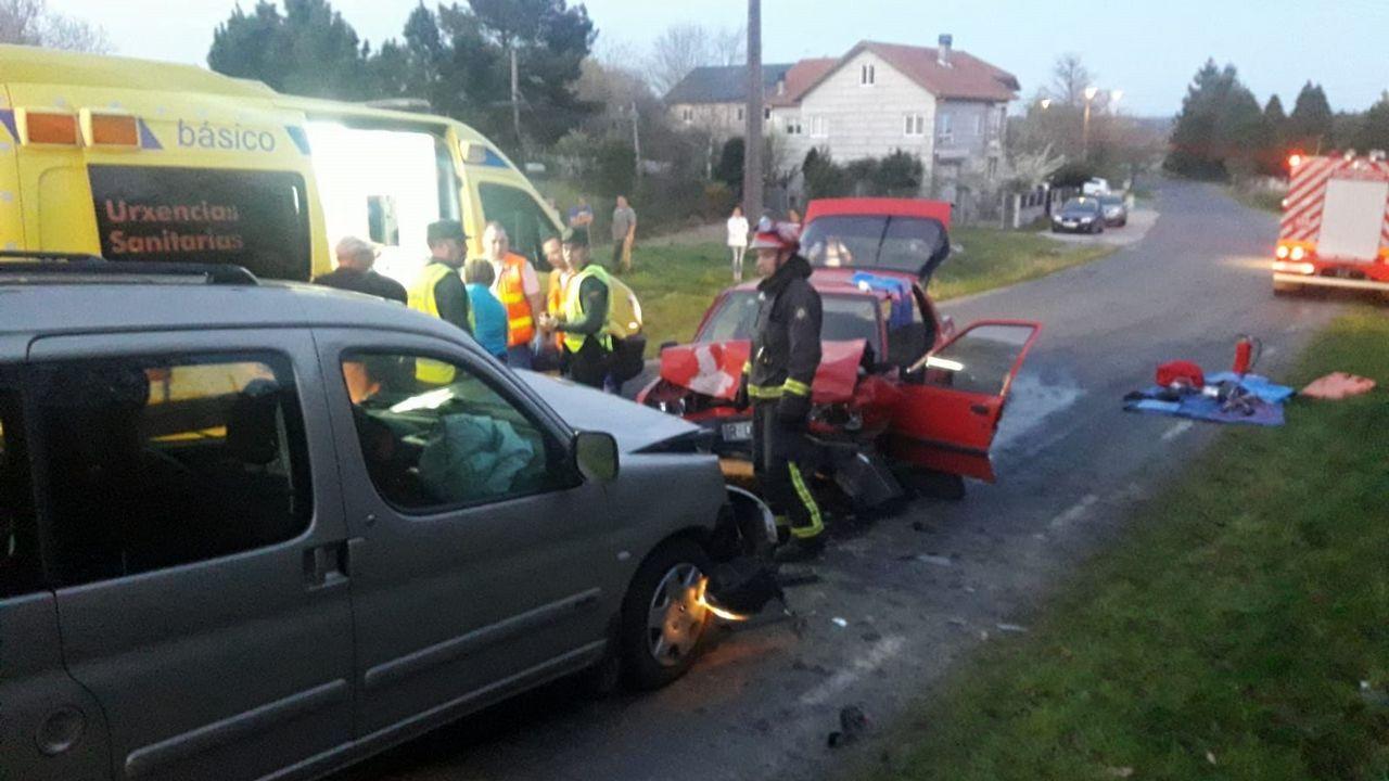 En Carballeda chocaron una furgoneta Berlingo y un Peugeot 309, en la que viajaba la mujer que murió