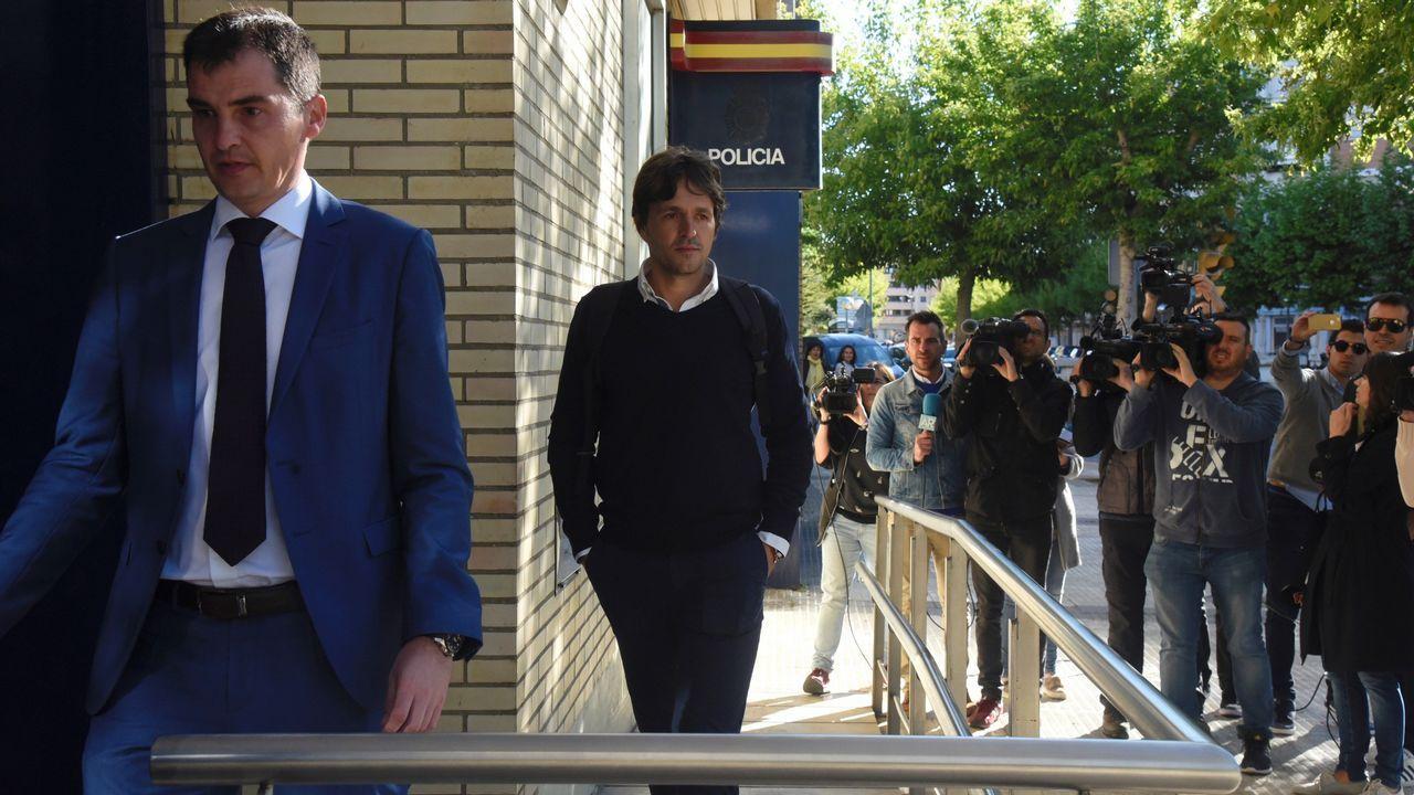 Prisión condicional para Raúl Bravo y Carlos Aranda.Yoel Bárcenas ante Carlos Gutiérrez en el Real Oviedo-Numancia