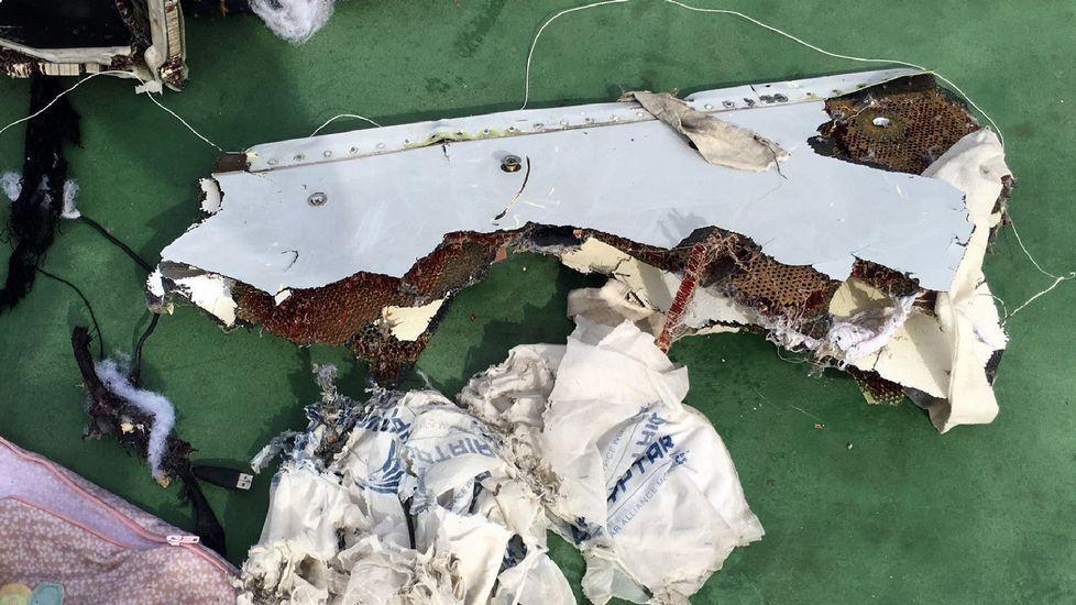 Explosión en un avión en el aeropuerto de Dubái.Restos del avión de Egypt Air localizados en el Mediterráneo