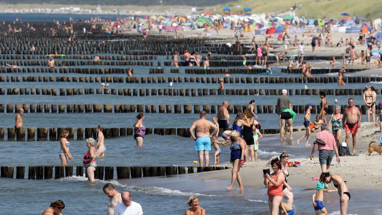 .El cálido verano del norte de Europa atrae a los visitantes al Már Báltico