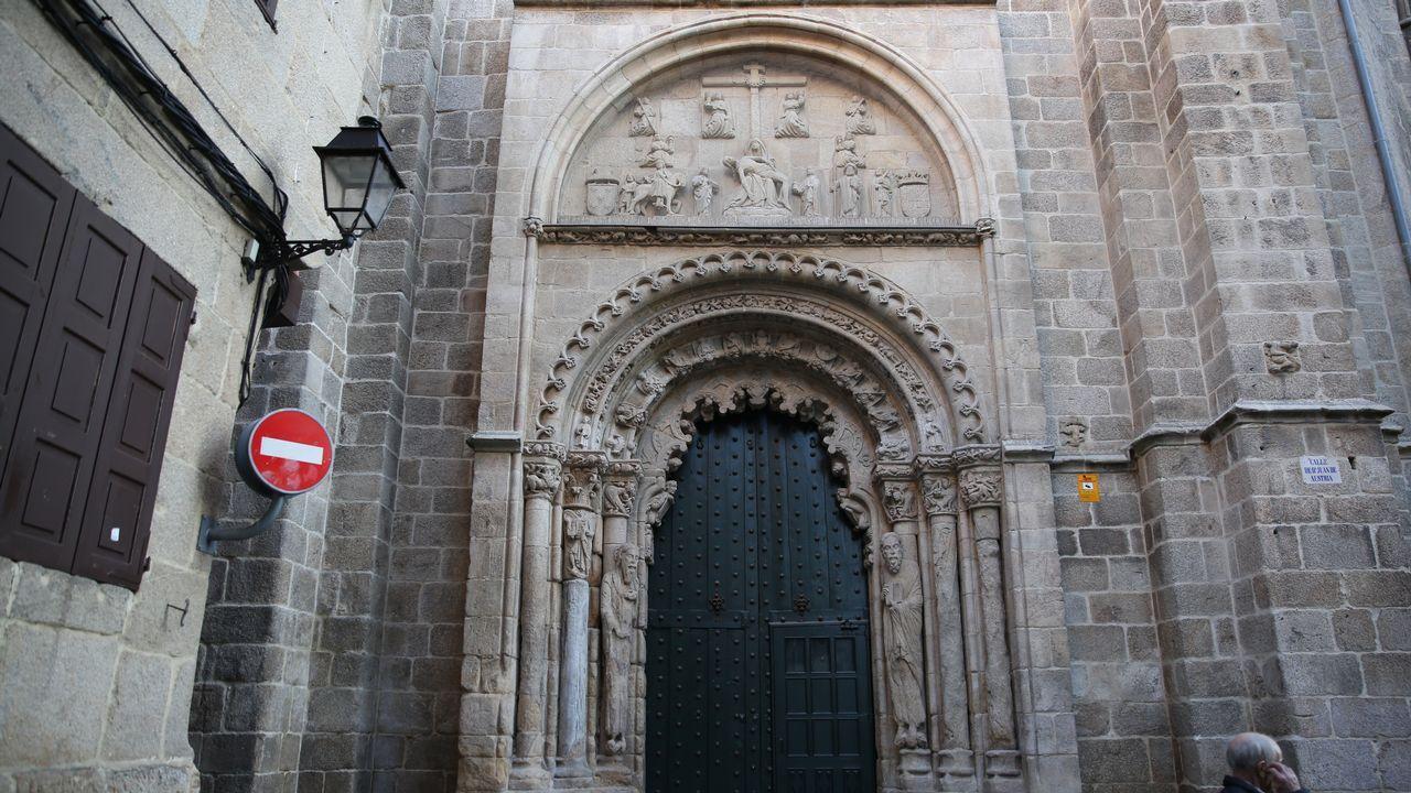 Caída de cascotes del Kiosko Alfonso.Barcelona