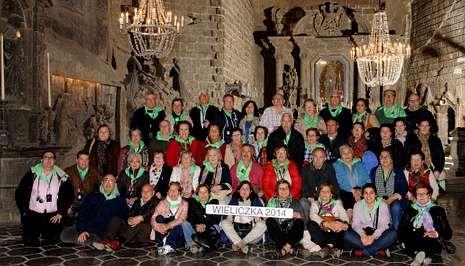 .La delegación de la parroquia de Carballo, ayer en la catedral de la sal de Wieliczka.