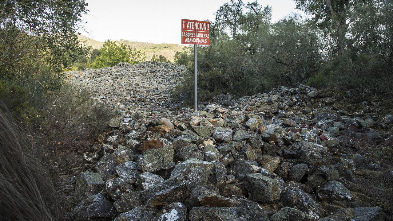 Cerca de Peites hay grandes cúmulos de cantos rodados -conocidos como muradellas-, un residuo de las antiguas explotaciones auríferas