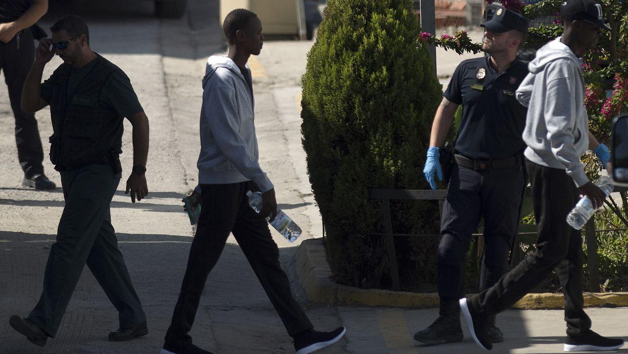 .Sus ocupantes seguirán los protocolos con los que se reciben a los migrantes que llegan en patera