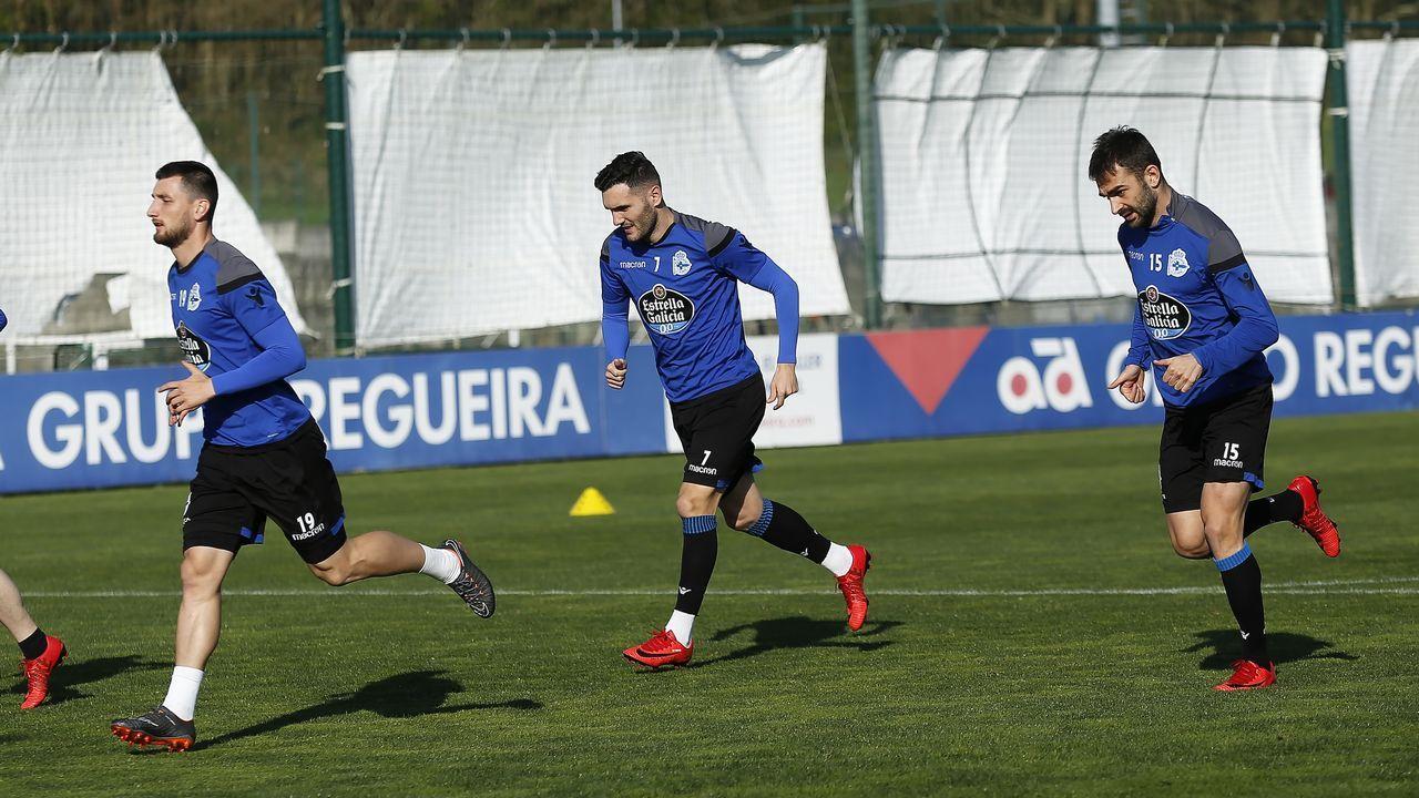 Lucas Pérez y Adrián López con sus respectivos equipos