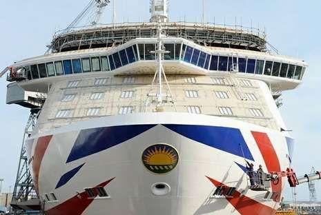 .<span lang= es-es >«Britannia»</span>. El nuevo buque insignia de la P&O atracará cinco veces en la Estación Marítima. Tiene 330 metros de eslora.