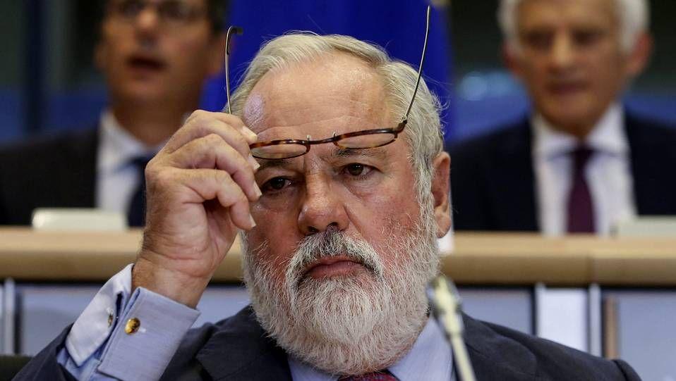 Miguel Arias Cañete durante la comisión parlamentaria de idoneidad para el cargo celebrado en el Parlamento Europeo en Bruselas