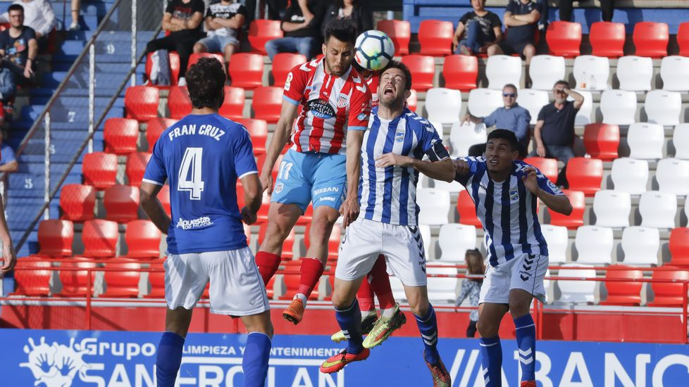 Jugadores del Numancia celebran un gol ante el Córdoba