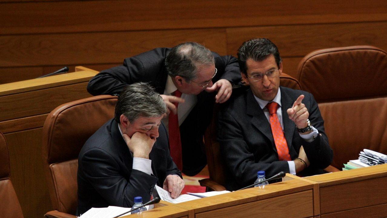 La carrera sucesoria en Galicia la disputaron Cuíña, López Veiga y sobre todo Xosé Manuel Barreiro y Feijoo. Solos estos dos últimos rebasaron el umbral establecido para presentar su candidatura  pero Fraga forzó un pacto entre los dos aspirantes.