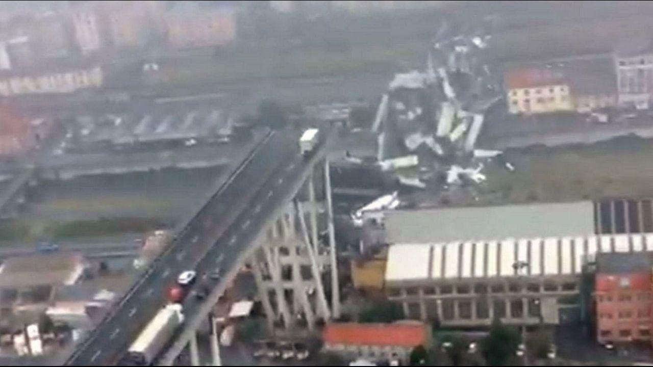 Vista de la sección del viaducto Morandi que se desplomó en Génova