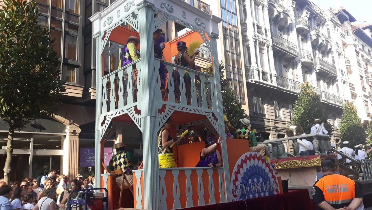 La carroza de Nueva Orleans en el Día de América en Asturias 2018