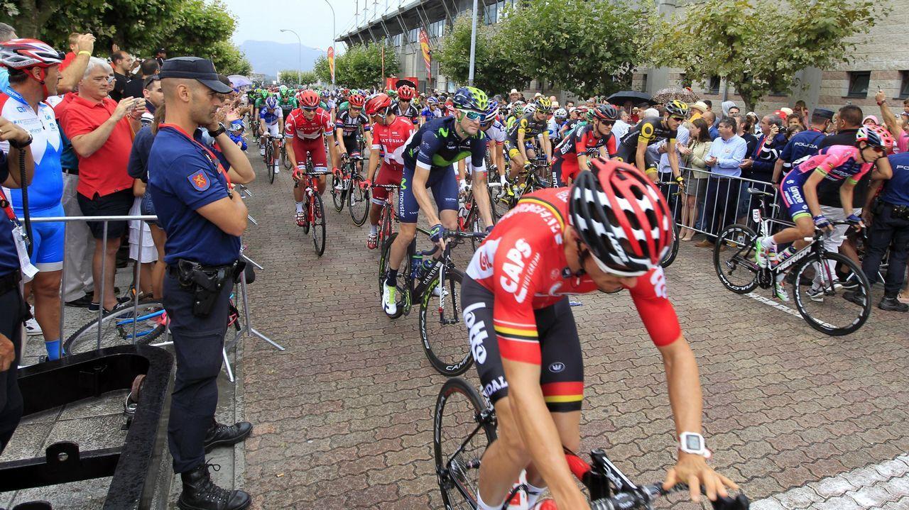 Alberto Contador se impone en el Angliru, en la Vuelta a España.Pablo Carreño, en su partido ante Thiem en las Finales ATP