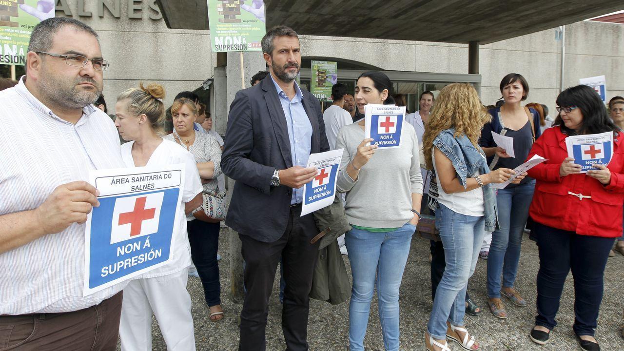 Concentración para defender el área sanitaria do Salnés