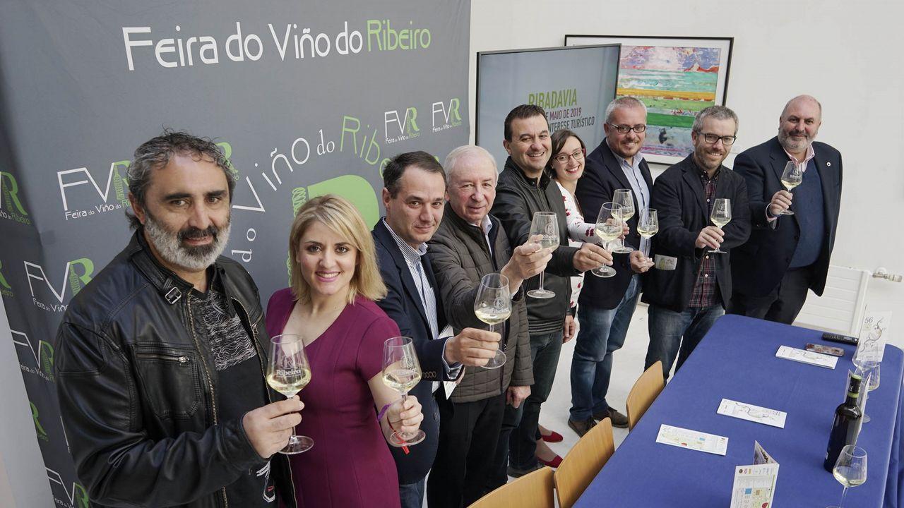 Apertura de la Feira do Viño do Ribeiro.Ruta en bus por el Ribeiro