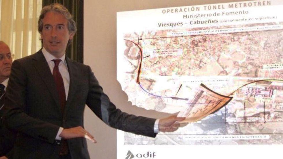 «Non queremos unha autovía diante da casa».Íñigo de la Serna presenta el Plan de Vías en Gijón