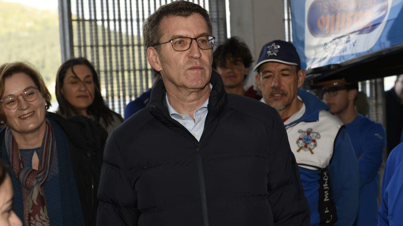 Casado dice que cumplirá con el acuerdo alcanzado con sindicatos y patronal y dejará el salario mínimo en 850 euros.Cayetana Álvarez de Toledo, en el Círculo Ecuestre de Barcelona, ante cerca de doscientos miembros de la sociedad civil y económica catalana