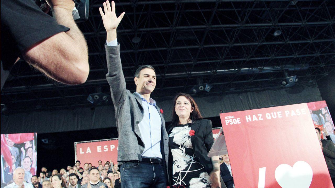 Pedro Sánchez y Adriana Lastra, en el Congreso de Gijón