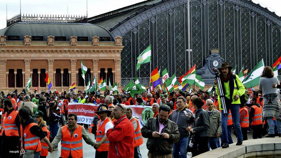Manifestantes cerca de Atocha