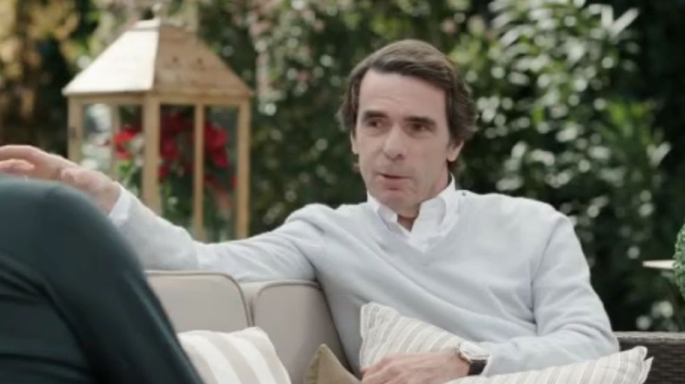 Aznar confiesa a Bertín Osborne cómo conquistó a Ana Botella.Natalio Grueso a su llegada a los juzgados