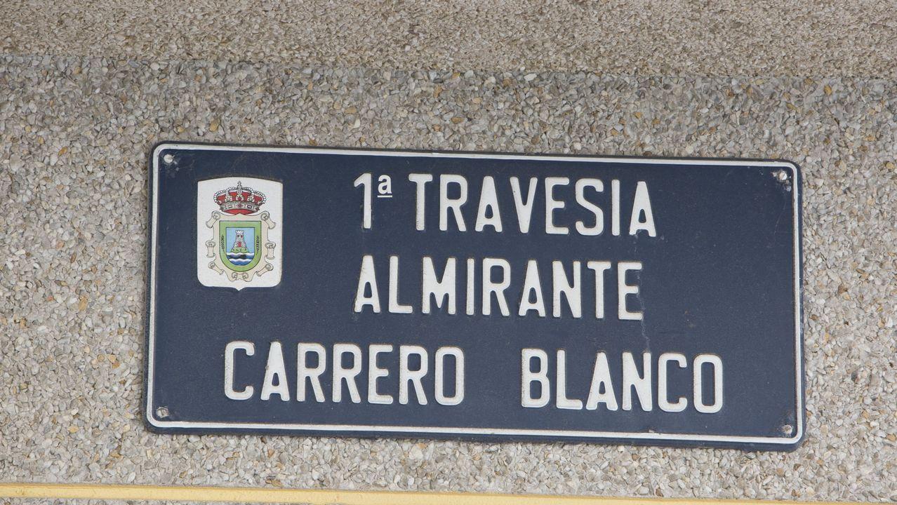 Calle Carrero Blanco, en Caión (A Laracha)